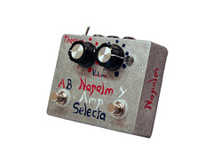 Napalm Amp Selecta - Active Amp Selector (Footswitches: A/B, Y, Switches: Phase. Volume Controls A, B.)