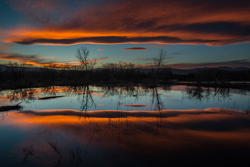 sunset reflection night cloudy bouldercolorado sawhillponds