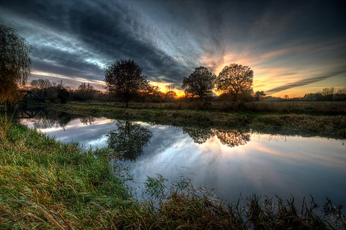 autumn trees sunset sunlight clouds canon landscape stream guildford riverwey surreyhills