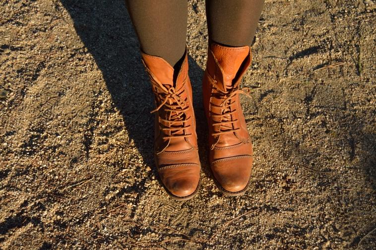 lara-vazquez-madlula-boots-details-botas