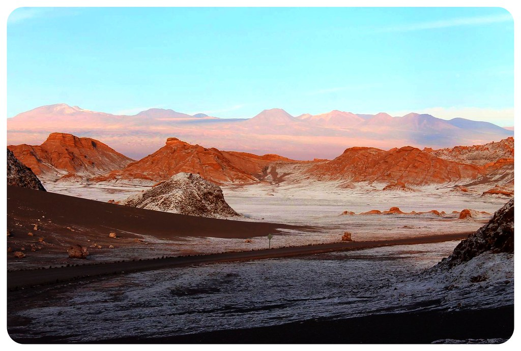 valle de la luna atacama desert saltine landscapes at sunset