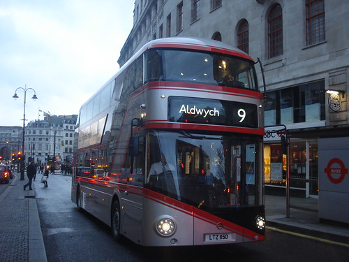 London United LT150 on Route 9, Charing Cross