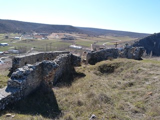 Castillo de Abánades con restos de la guerra civil española