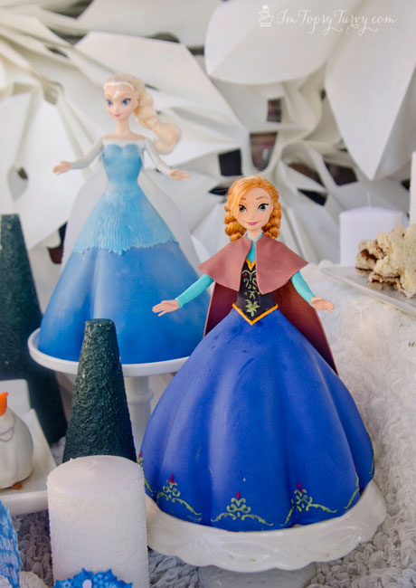 Elsa and Anna were the centerpieces of the tabletop and I love how ...