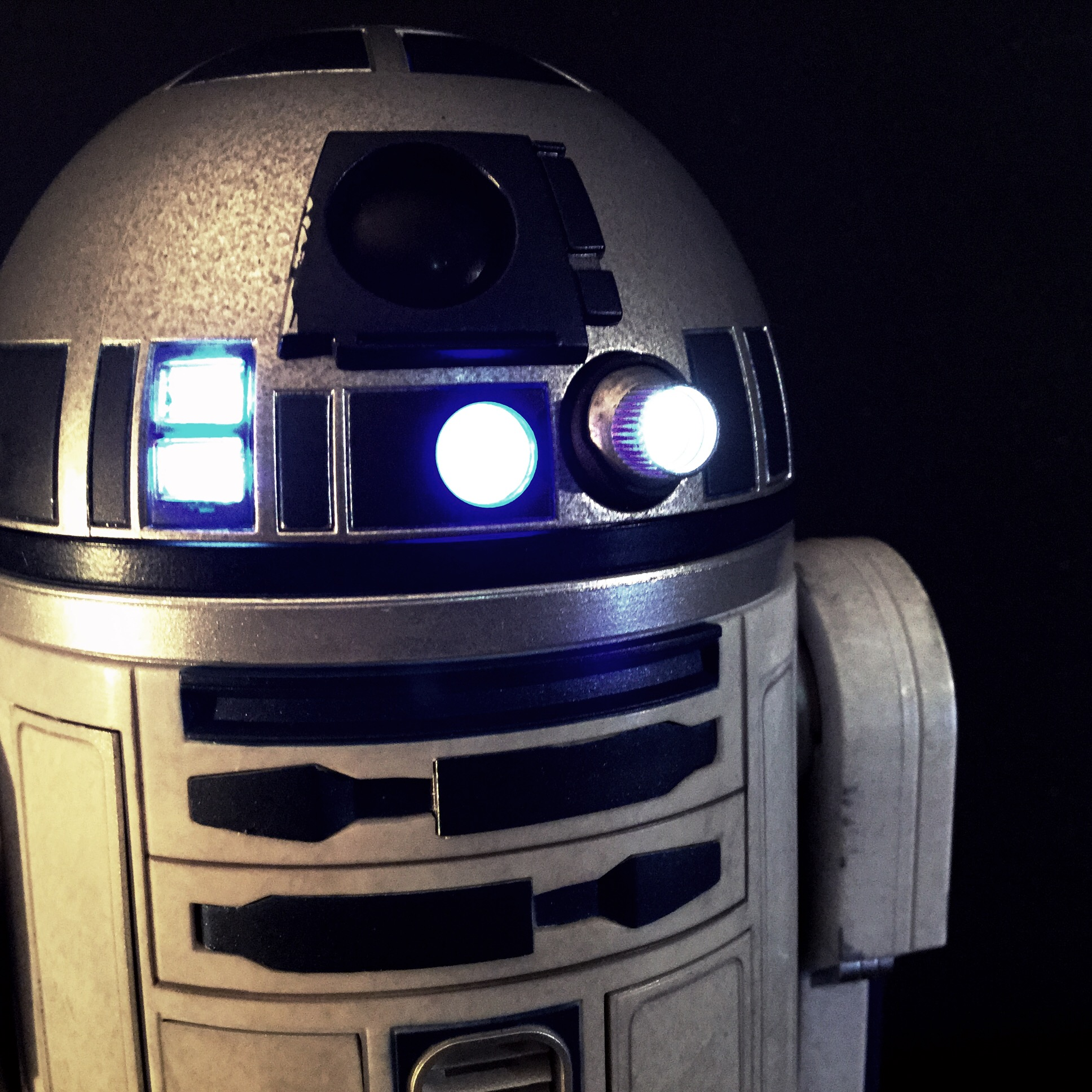 [REVIEW] Star Wars : R2-D2 Deluxe (Sideshow) 16258245937_efd4d0102f_o