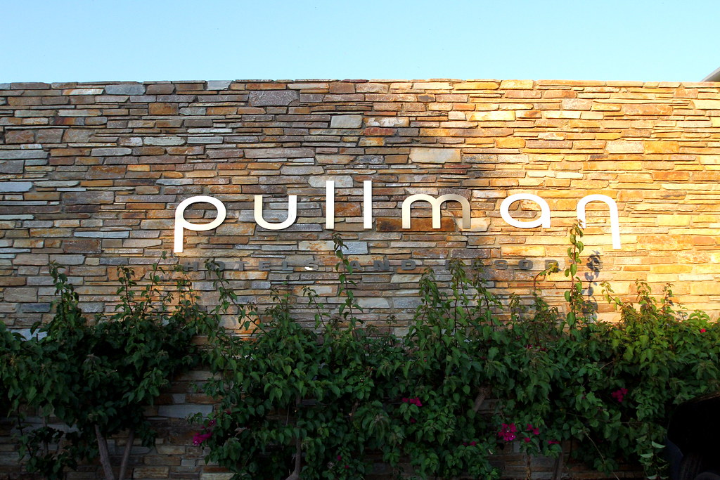 Pullman Resort Bunker Bay Sign