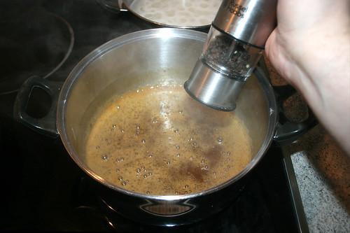 46 - Sauce mit Pfeffer abschmecken / Taste sauce with pepper