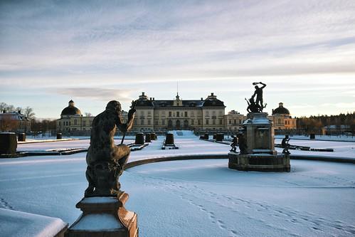 winter snow gardens sunrise sweden stockholm palace goldenhour drottningholm slott drottningholms