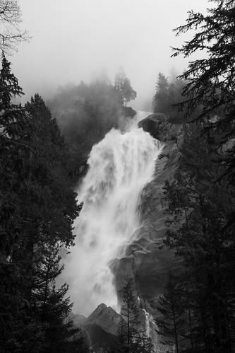park blackandwhite bw canada nature fog forest canon landscape waterfall britishcolumbia squamish shannonfalls 2470m canon7d