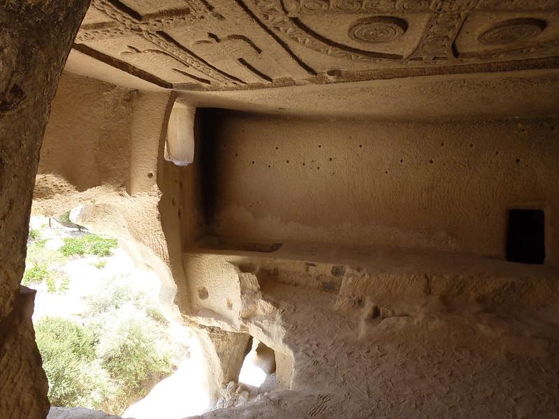 Turquie - jour 21 - Vallées de Cappadoce  - 039 - Çavuşin, Güllü Dere (vallée aux roses) - üç haçlı kilise (église des trois croix)