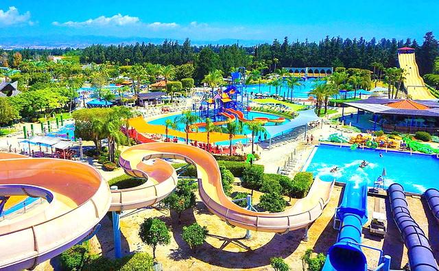 Аквапарк Фасури в городе Лимассол Кипр