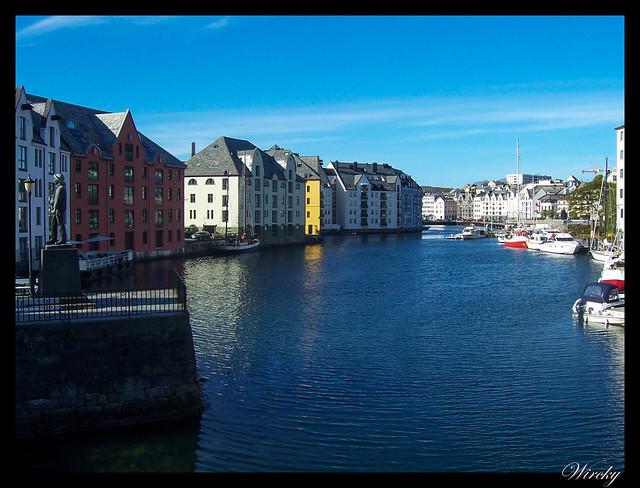 Fiordos noruegos Trondheim Vinjef Valsoy Halsa Molde Alesund - Fiordo en Alesund