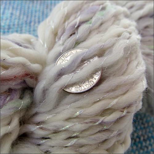 Cream V handspun, close up
