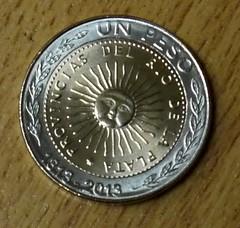 Argentina bimetallic 1 Peso 2013 obverse