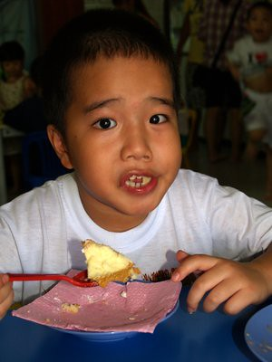 20130728_julianeatcake