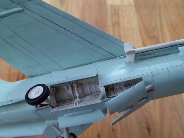 Un géant vert redoutable [Vought F-8 P Crusader Academy 1/72] 9558937600_ef99b74e0e_o