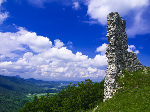 sky mountain castle nature stone clouds landscape ruins croatia hr stronghold fortress 2010 hrvatska hrv valey modruš