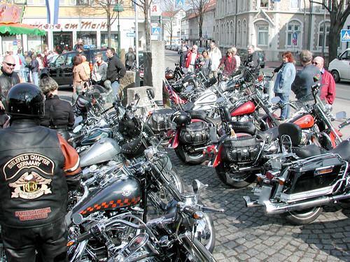 2003_0413 Automeile Harley-Treff 3
