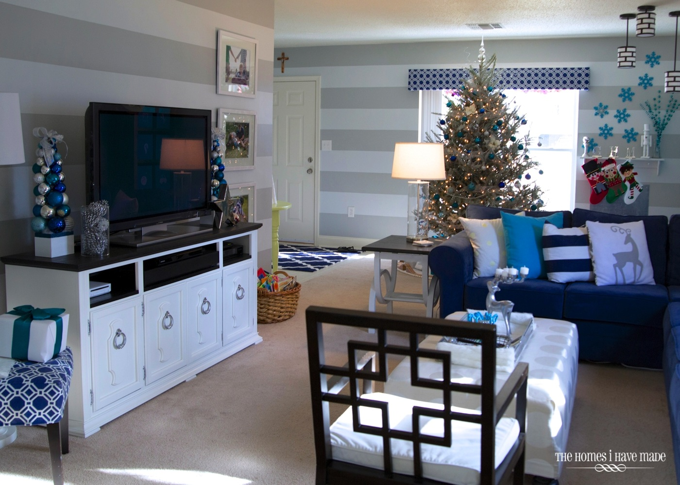 Holiday Living Room 2013-025