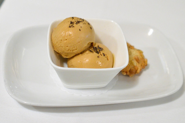Burnt Caramel Gelato tahitian vanilla sea salt, pignoli cookie