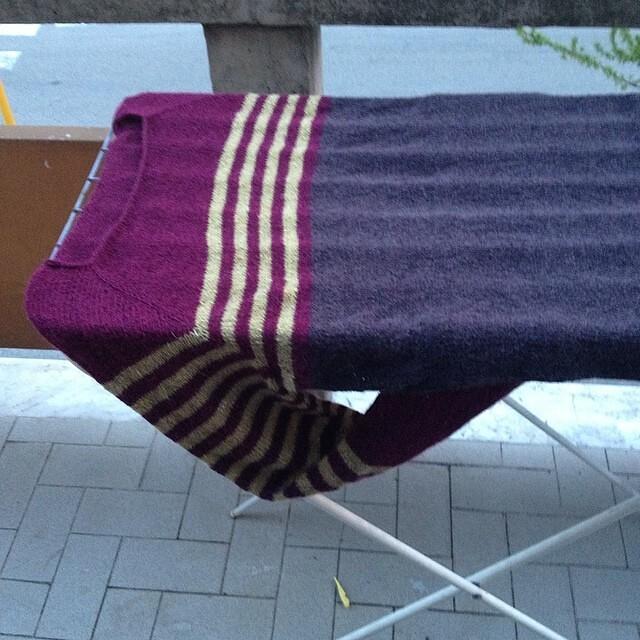 Blocking #instaknit #ravello #ravelry #holstgarn #handmade #yarn #knitting #kalfromitaly #fattoamano #iolavoroamaglia #lavoroamaglia #serialknitter