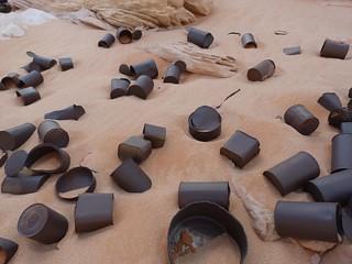 Latas de comida de la II Guerra Mundial en el desierto Líbico (Egipto)