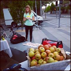 btwd2014 eville-apples
