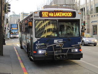 ST Express 9095-P in Downtown Seattle