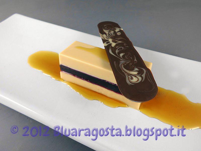 04-lingotto al cioccolato  bianco e gelatina di mirtilli