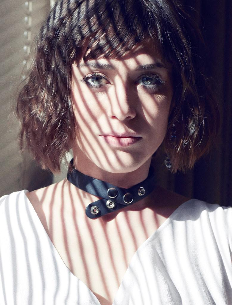 Лиззи Каплан — Фотосессия для «Rhapsody» 2016 – 7
