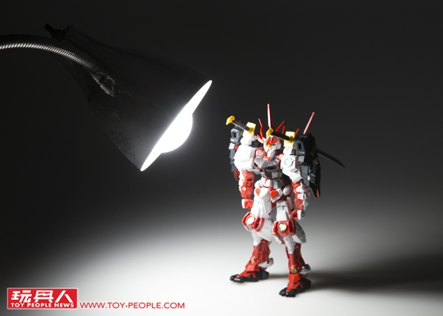 光有模型技術是不夠的!專業攝影師教你如何為鋼彈拍出精彩好照片~