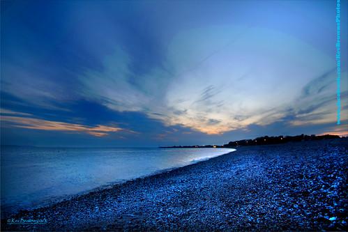 sunset sea beach water clouds dusk pebbles hampshire solent gathering bluehour gosport blinkagain apertunity