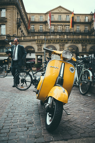 business vespa by patrickbraun.net