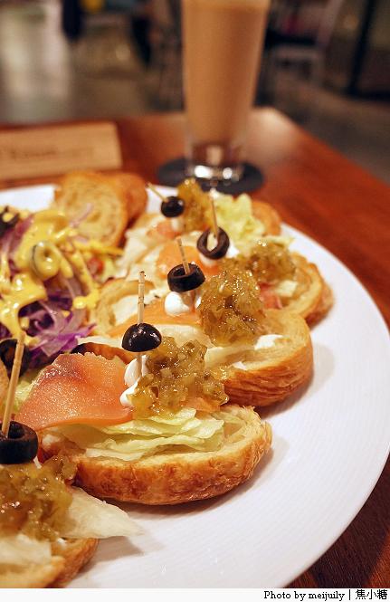 【台中早午餐】indie room café。金典綠園道咖啡館- SalaD blog