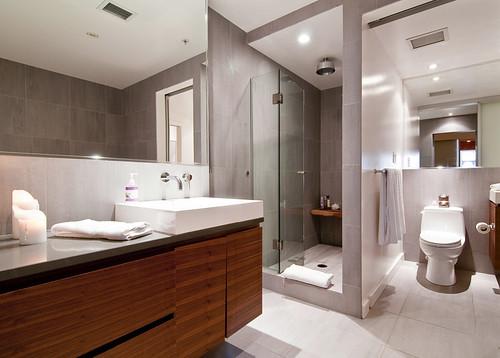 Bathroom by petetaylor