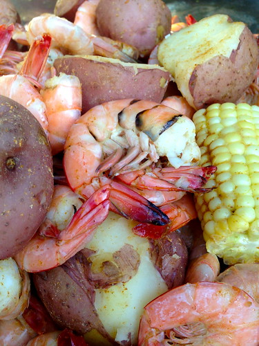 low country billcrabshrimpdocksouthernpotatoescornsausagefoodfreshriverbrackinshwaters