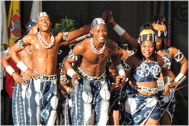 3394-Festival Internacional de Folclore nos Cantons da Coruña (Les As du Benin-Africa)