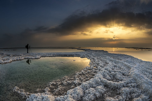 camera morning sea sun fish seascape man reflection eye nature water silhouette sunrise canon reflections lens landscape dead coast israel day photographer angle cloudy tripod wide salt sigma 15 fisheye shore ישראל deadsea 15mm 6d חוף יםהמלח canon6d