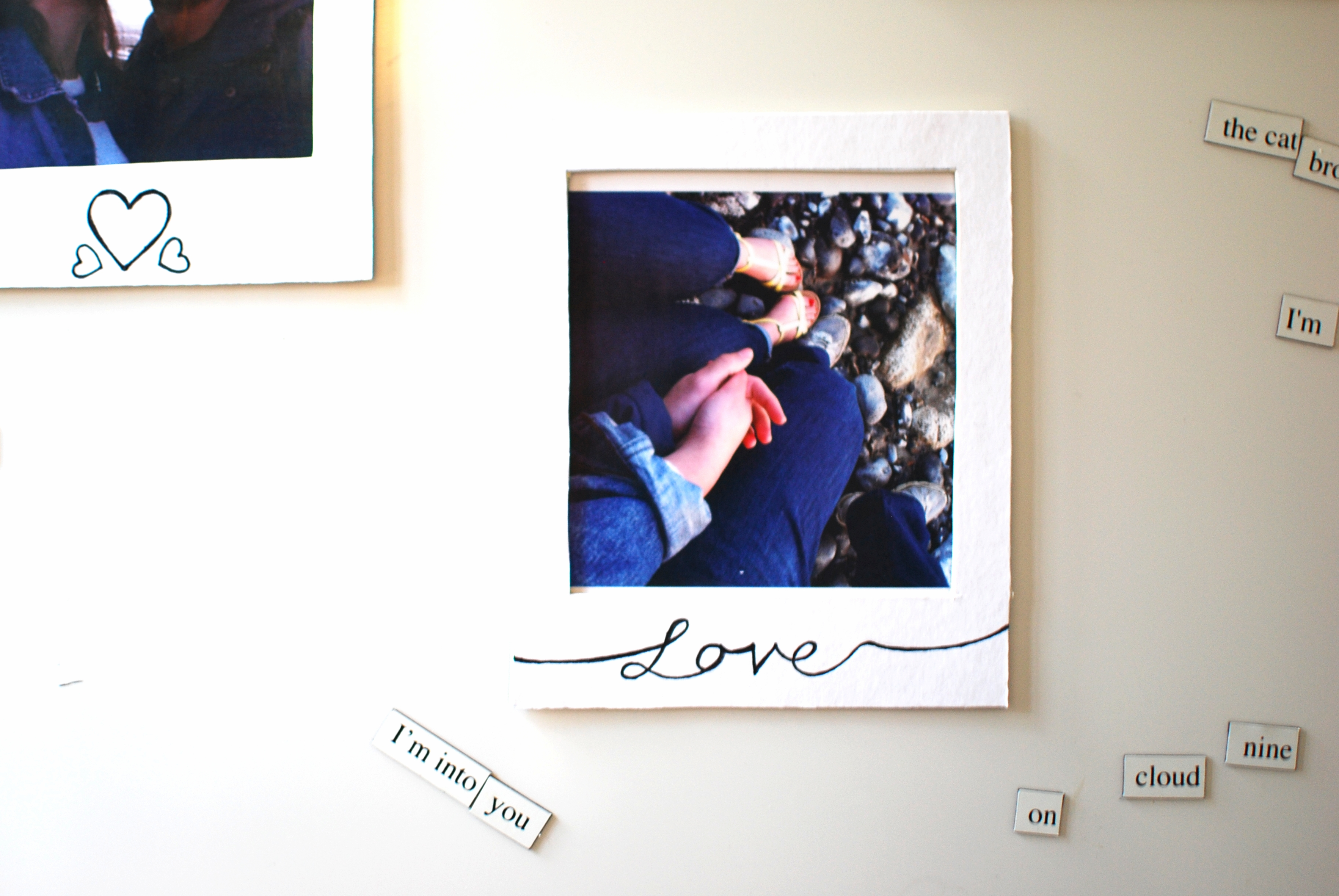 DIY // Magnetic polaroid photo frames - Chambray & Curls