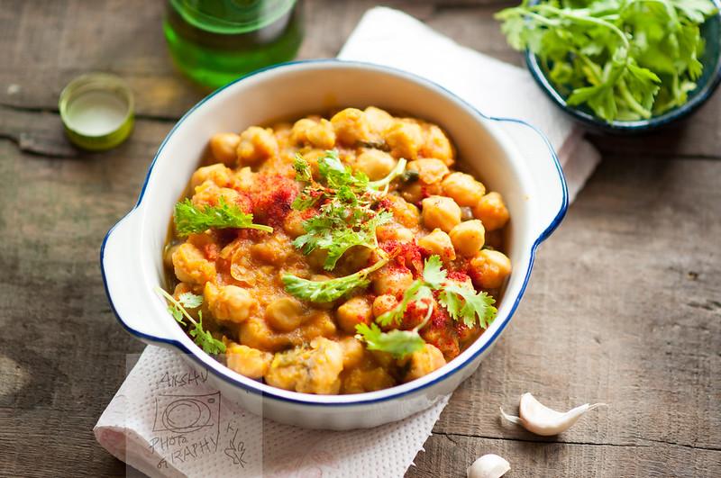 Chole (Chickpea Curry 1/2)