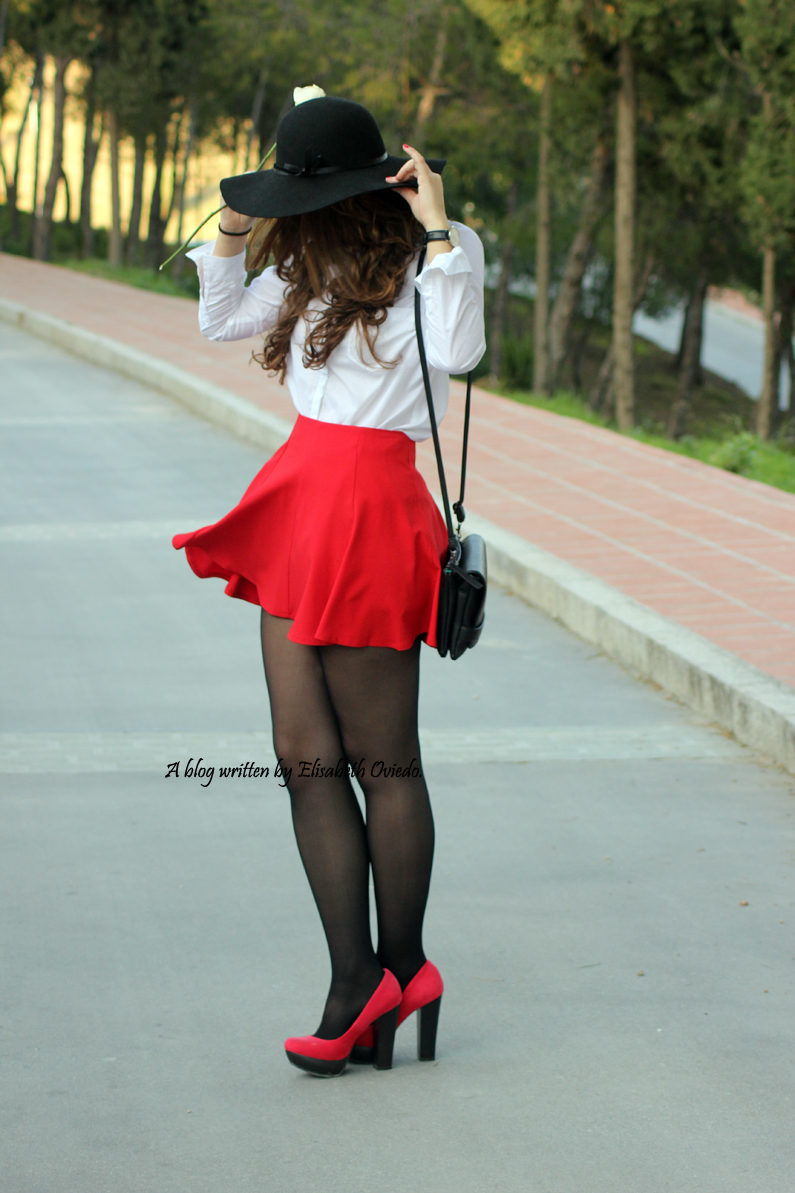 falda-roja-de-vuelo-HEELSANDROSES-(10)