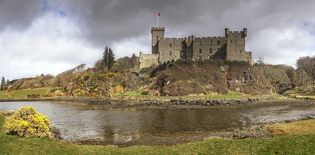 Sunshine and dark clouds at Dunvegan Castle