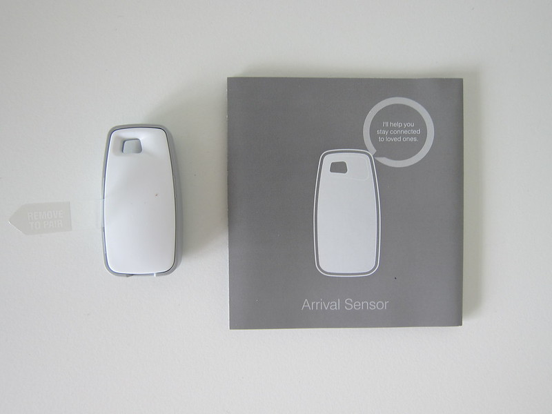 Samsung SmartThings - Arrival Sensor - Box Contents
