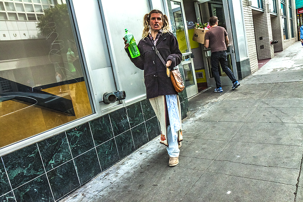 Prancing-woman-in-3-13--San-Francisco-3