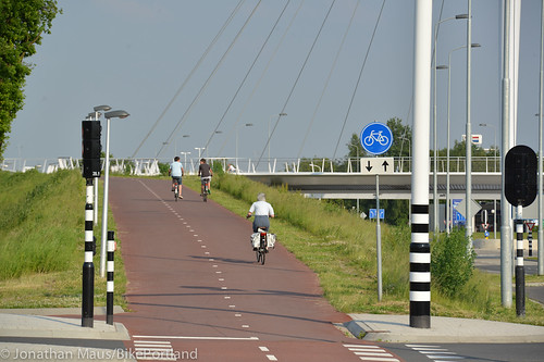 The Hovenring in Eindhoven-52