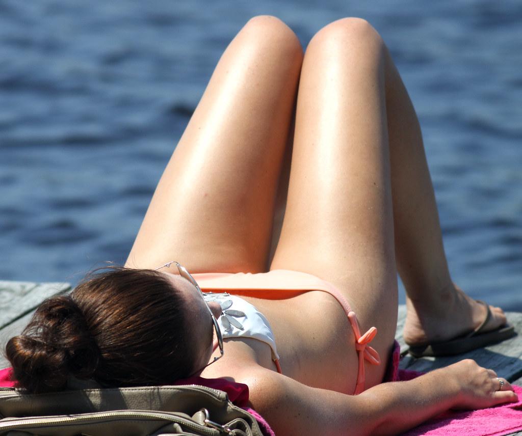 Group nude girls pool