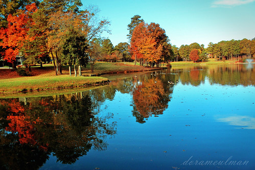 november autumn color beautiful sunshine sunrise reflections landscape us nc northcarolina inmybackyard gastonia heatherlock dorameulman
