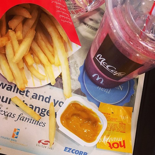 Photo by Sprittibee: Sometimes the healthy choice (blueberry pomegranate) needs to be countered by some yummy, greasy fries. ❤️ #atxhappymeals