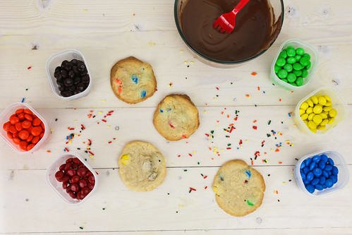 Milk Dunkin M&M Cookies #BakingIdeas #shop