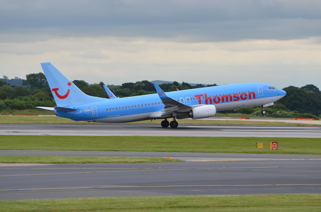 G-TAWJ - B738 - TUI Airways